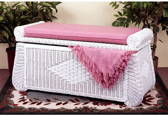 Woodlined Wicker Blanket Chest or Trunk - WHITE