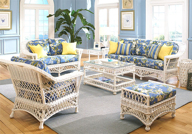 54b361530df9 5 Piece Harbor Beach Wicker Furniture Set